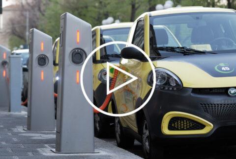 مقایسه ی دو خودروی الکتریکی آینده